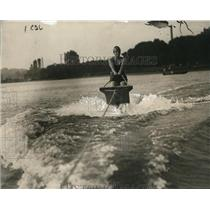 1925 Press Photo Florence Skadding aquaplaning at Washington DC - net29660