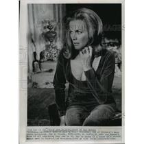 1964 Press Photo Honor Blackman in a scene from a movie made in England.