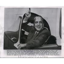 1955 Press Photo John MacArthur Before Takeoff in Salvage U.S. Air Force Plane