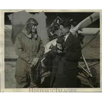 1929 Press Photo Lieutenant Wilfred G. moore, Isaiah Daves After Altitude Flight