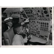 "1968 Press Photo Pan Am's Jet ""Hawaii"" as Dean Jung, second co-pilot explains"