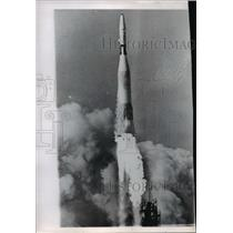 1962 Press Photo Atlas-Agenda rose from launching pad at Cape Canaveral