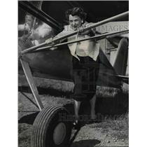 1953 Press Photo Mrs. L.S. White-woman pilot - orb96334