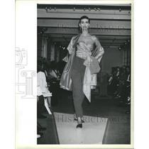1990 Press Photo Fashion Women Donna Karan - RRR59697