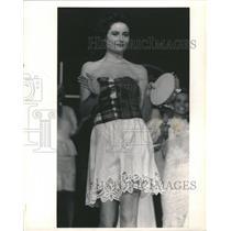1988 Press Photo Fashion - RRR64855