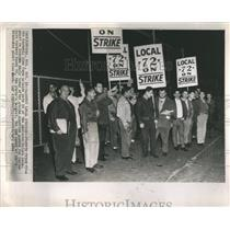 1964 Press Photo United Auto Workers Local 72 Picket - RRR95573