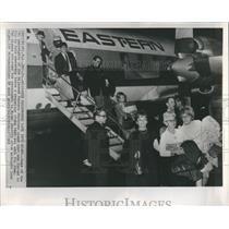 1968 Press Photo Hijacked Passengers Return to Miami - RRR22711