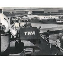 1976 Press Photo Freed Hostages From TWA Hijacked Plane - RRR22721