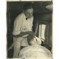 1935 Press Photo First professional flying barber - RRR78633