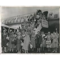 1958 Press Photo Grandmothers Club American Airlines - RRR96139