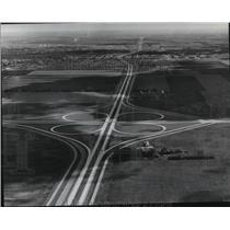1971 Press Photo Aerial view of Interstate 94 looking east towards Fargo, N.D.