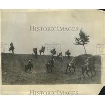 1930 Press Photo Italian Army calvary school gives an exhibition of horsemanship