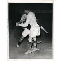1941 Press Photo NY Americans Jim Brady, Scots Americans John Wojciechowicz,