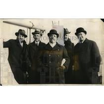 1925 Press Photo Members of the Italian Debt Commission docked in New York
