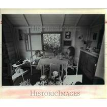 1982 Press Photo Michelle, Jennifer Simon-on playhouse - orb86971