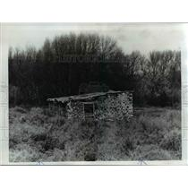 1976 Press Photo Old stone barn in Fields has been repaired and serves as stall