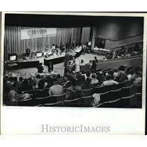 1982 Press Photo Live Job-A-Thon Television Special - mja43034