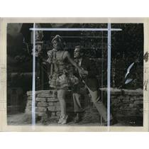 1939 Press Photo Steffi Duna and Esmond Knight star in Pagliacci - cva20380