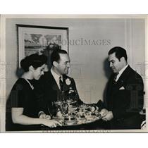 1938 Press Photo Col.Fulgencio Batista receivd silver Tea set form Brooks Mendel