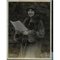 """1928 Press Photo Leading Actress Ms. Norma Holzman Cast in """"Patience"""" at College"""