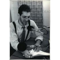 1992 Press Photo Peter Zehren At The WYMS-FM Radio Station. - mja42351