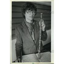 1982 Press Photo Jane Bowers, UWM music professor, poses with her Baroque flute