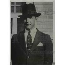 1935 Press Photo James W. Hodges, Chief Radio Operator on the S.S. Dixie