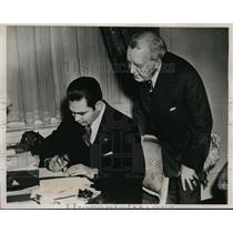 1938 Press Photo Fulgencio Batista, Dr. John Ribert Gregg Writing Shorthand, NYC