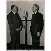 1937 Press Photo Harry Meistrich being interviewed by Parks Johnson - nef32273