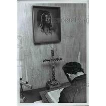1972 Press Photo A tiny chapel in Seaman's Center has hand-made cross