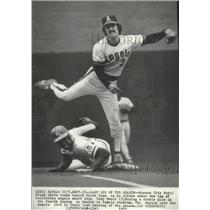 1975 Press Photo Kansas City Royal Frank White and California Angels Rudy Meoli
