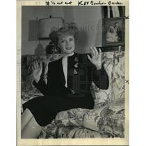 """1943 Press Photo Billie Burke to be in the production of """"The Rock"""" on Broadway."""