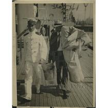 1916 Press Photo Civilian Arrives on USS Maine for Atlantic Cruise - ney23769