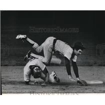 1978 Press Photo Molitor-Braves-Braced Himself As He Fell To The Ground