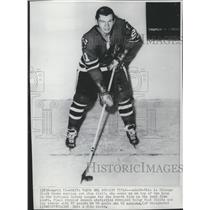 1968 Press Photo Chicago Black Hawks Stan Mikita