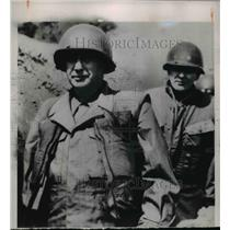 1935 Press Photo Adlai Stevenson touring the front lines with General Taylor