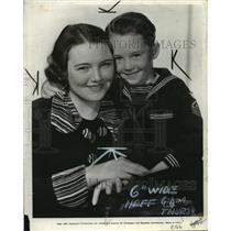 1935 Press Photo Mrs Martha Massey Holt and Son David Holt - nef58509