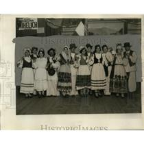 1927 Press Photo Croatian-Americans from Cleveland dressed traditionally
