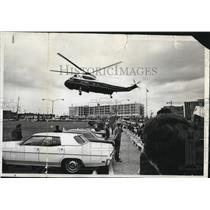 1970 Press Photo Chopper carrying the vice president at Portland Airport