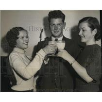 1933 Pres Photo 4-H Club Members Drink a Toast in Milk After Being Chosen Healty