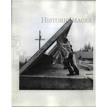 1971 Press Photo Students at Milwaukie Build a Classrooms in Learning by Program