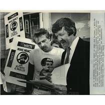 1983 Press Photo Jockey Bob Reitman proposed substitutes for Nancy comic strip