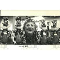 1988 Press Photo Ellinor Lund with her Scandinavian sailor dolls in her shop
