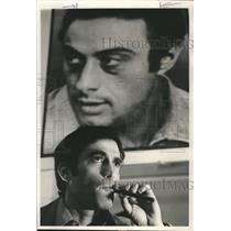 1972 Press Photo Actor Cliff Gorman, under picture of Lenny Bruce  - oro17134