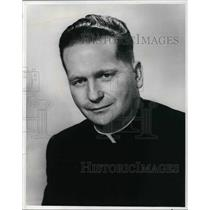 1974 Press Photo Father William Hogan, economics professor at Fordham University