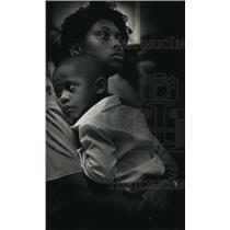 1991 Press Photo Nakita Hardrick holds her 2 year old son - mja37930