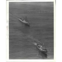 1982 Press Photo Soviet Surveillance Ship Trailed by Canadian Coast Guard