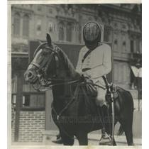 1930 Press Photo Egypt-Occupation-Egyptian Policemen wear protection masks.