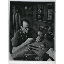 1974 Press Photo Joseph G. Baier, UWM Professor and Clock Enthusiast - mja42363