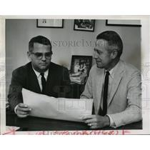 1961 Press Photo Two members of the Little Rock school board discuss integration